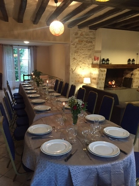 Grande table pour 20 personnes