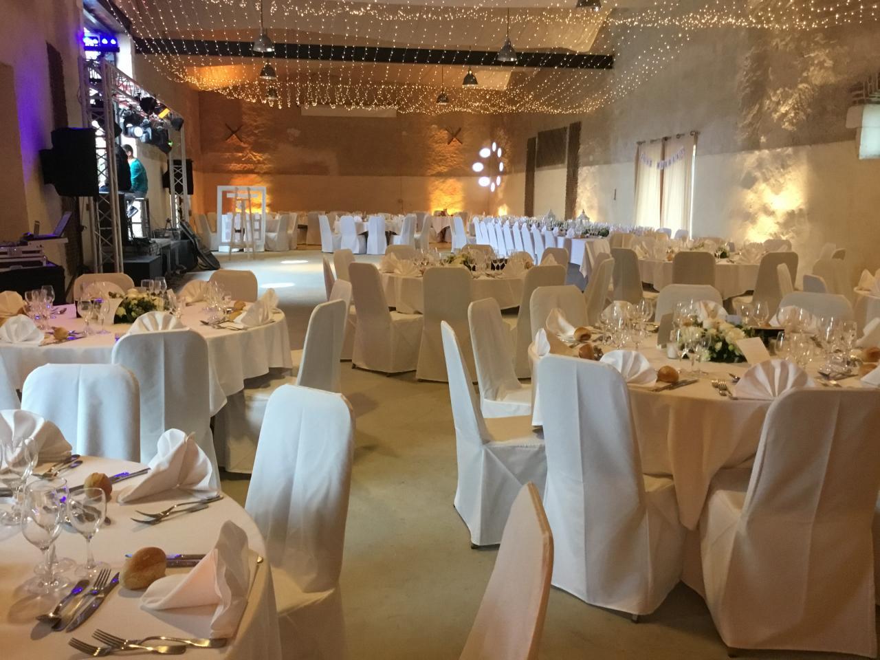 Réception avec plafond lumineux