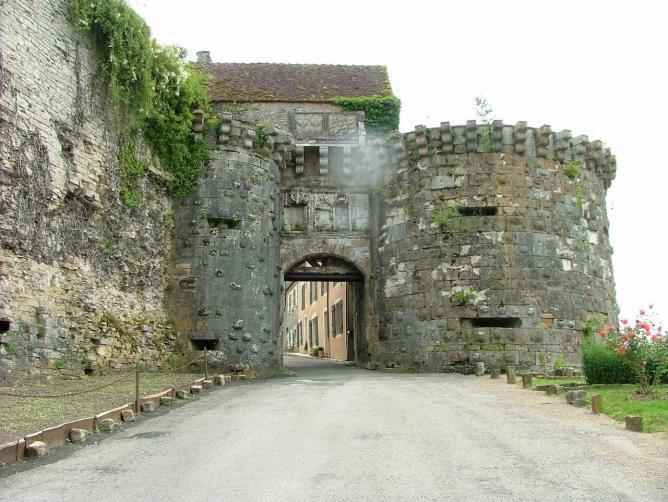 Les remparts de Vézelay